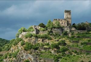 Château dans la vallée du Rhin.
