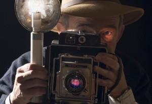Autoportrait sur le thème de l'oeil en coin en clair obscur !