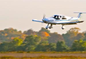 Quadri-place volant à plus de 250 Km/h avec un moteur Rotax de 100 Ch.