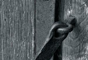 vieille porte à Vezelay.