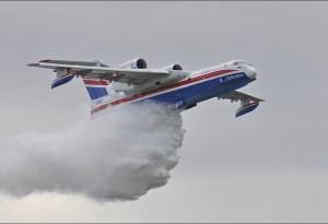 Bombardier d'eau Russe au Bourget 2011.